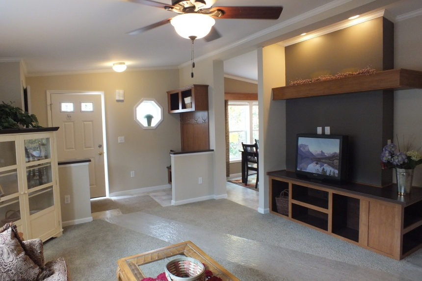 Photo Of Double Wide Home 5225-508 Furnished Living Room Facing Front Door