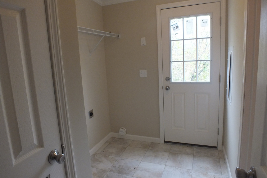 Photo Of Double Wide Home 5225-508 Entry Way With Door And Large Window