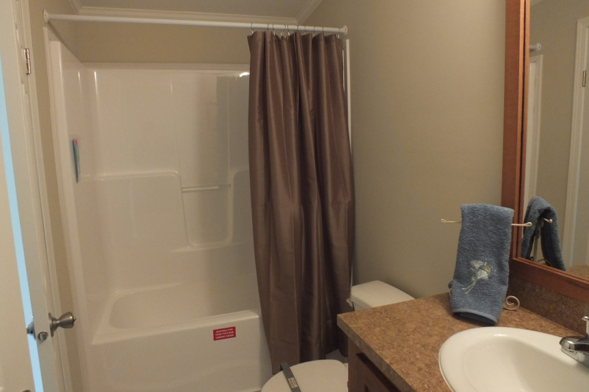 Photo Of Double Wide Home 5225-508 Bathroom With Tub And Sink
