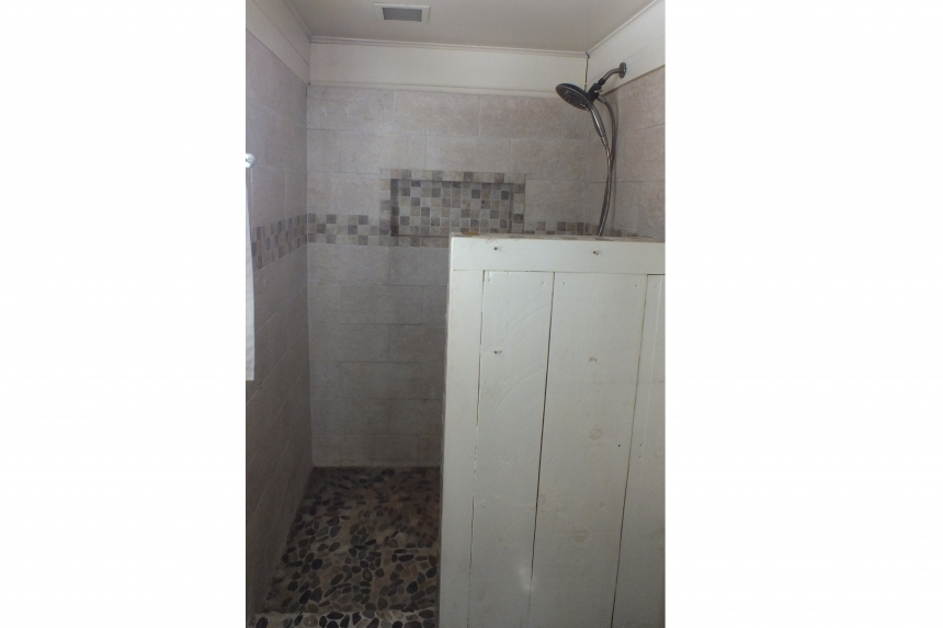 Photo Of Double Wide Home 1987 Pine Grove Bathroom Shower