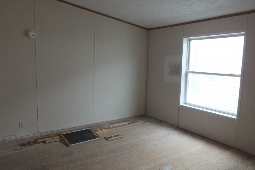 Photo Of Double Wide Home 2000 Dutch Unfurnished Bedroom With Large Window