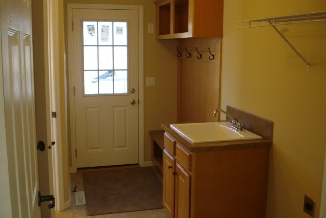 Photo Of Double Wide Home 5228-405-1 Entry Way With Door And Sink