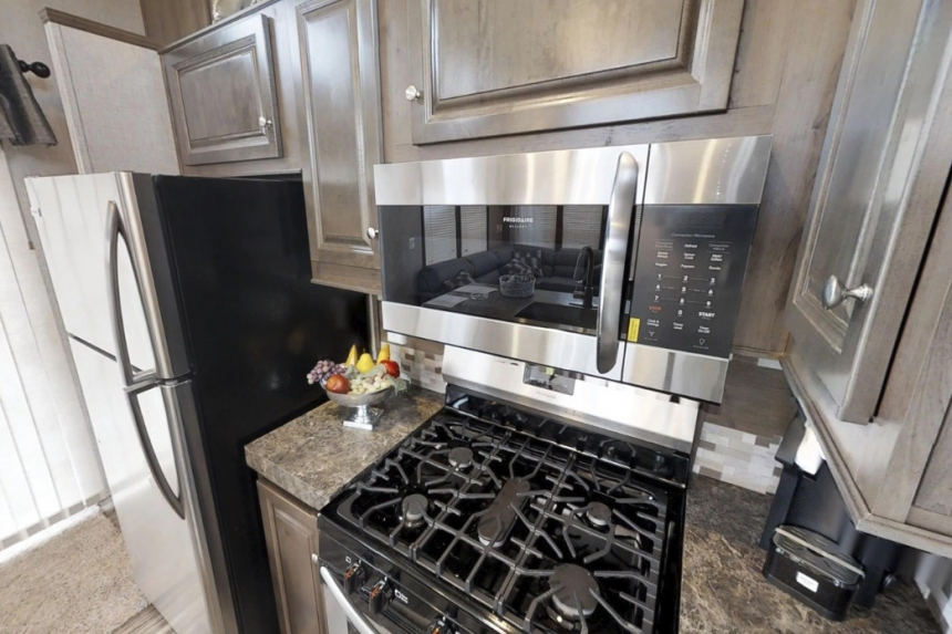 Featured Park Model 39Ukl Kitchen Stove And Refrigerator