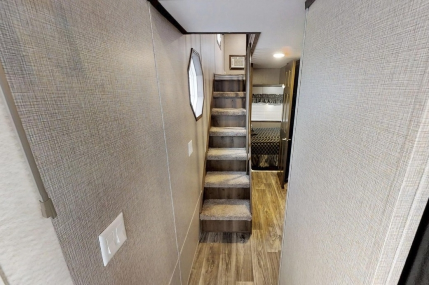 Featured Park Model 39Ukl Narrow Stairs Going Up